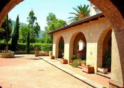 villa-per-ricevimenti-sant-agata-de-goti (17)